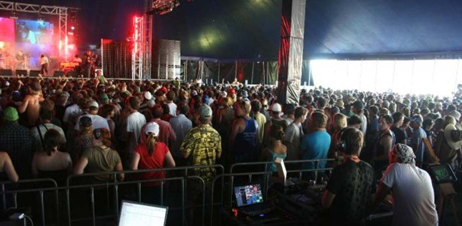 VJ Lynch festival Stage performing with DJs, Bands, orchestra, electronic music, producers